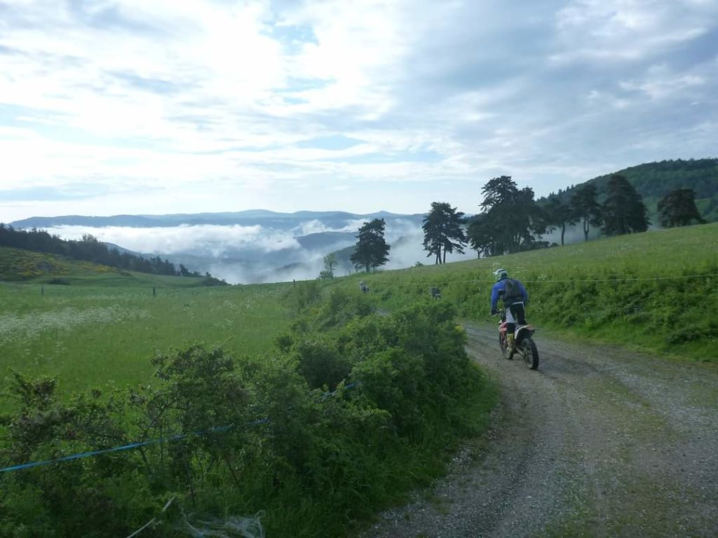 Val D'allier. Randonnée moto enduro tout terrain avec SudRando